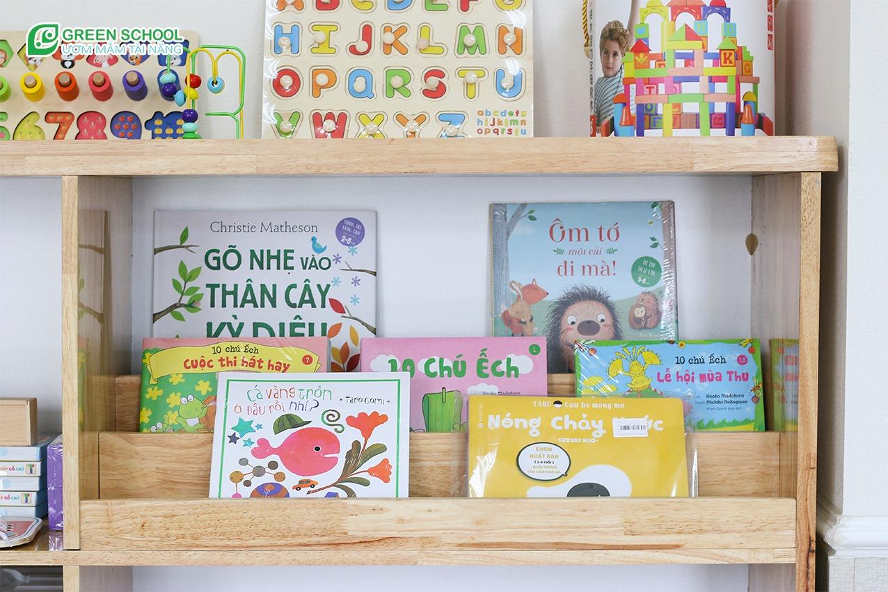 Tủ sách cho bé tại Green School Bắc Giang